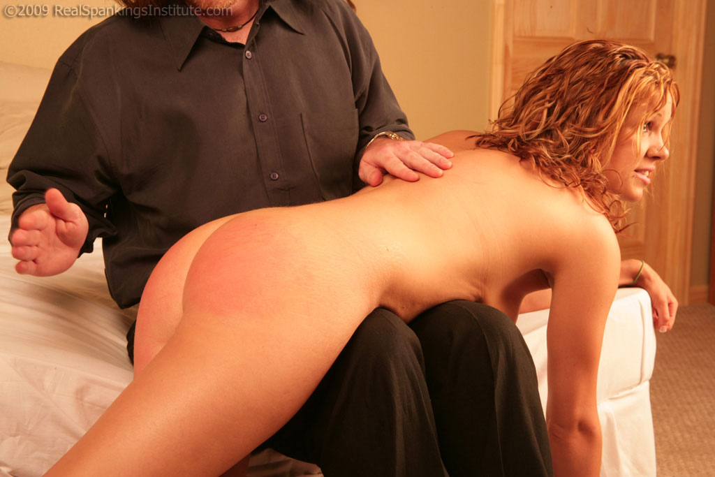 Play naked after spanking