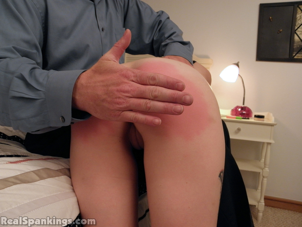 X fat and old pantyhose upskirt