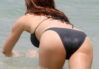 kelly-brook-bikini-ass