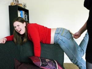 Dreams-of-Spanking_landlady027