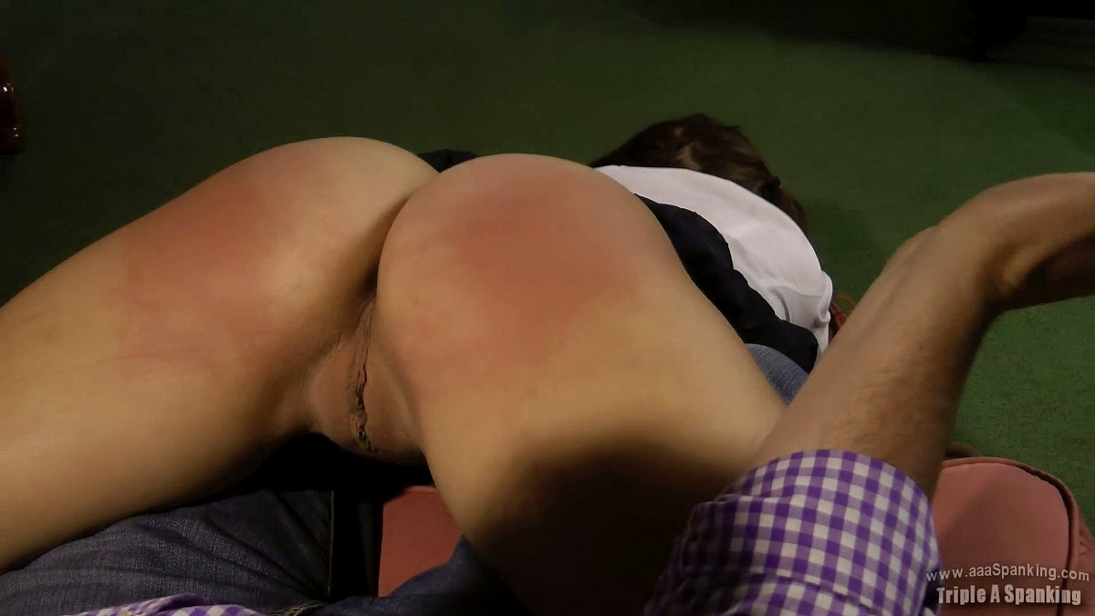 Women spanking there pussy
