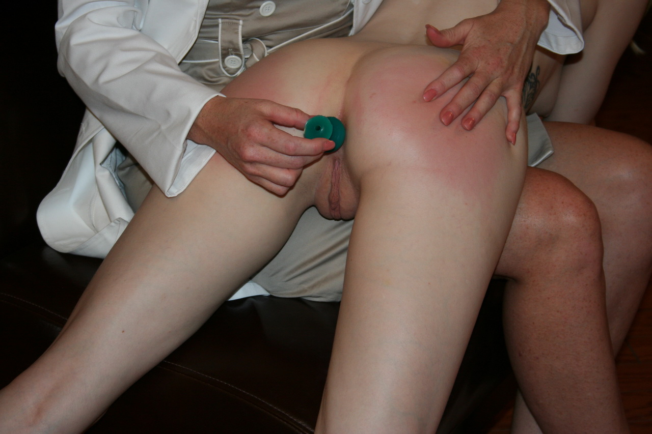 Over the knee spanking fetish