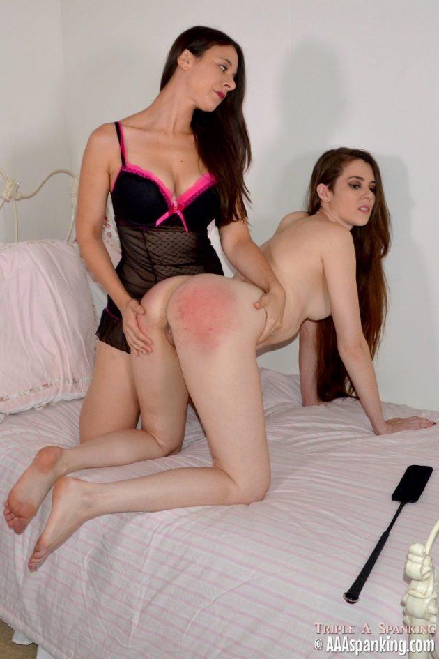 Erin takes anal