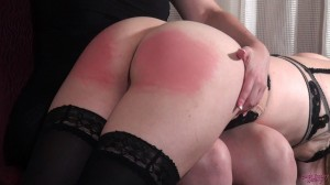 0155_the_mischievous_maid_grabs_gal1-030