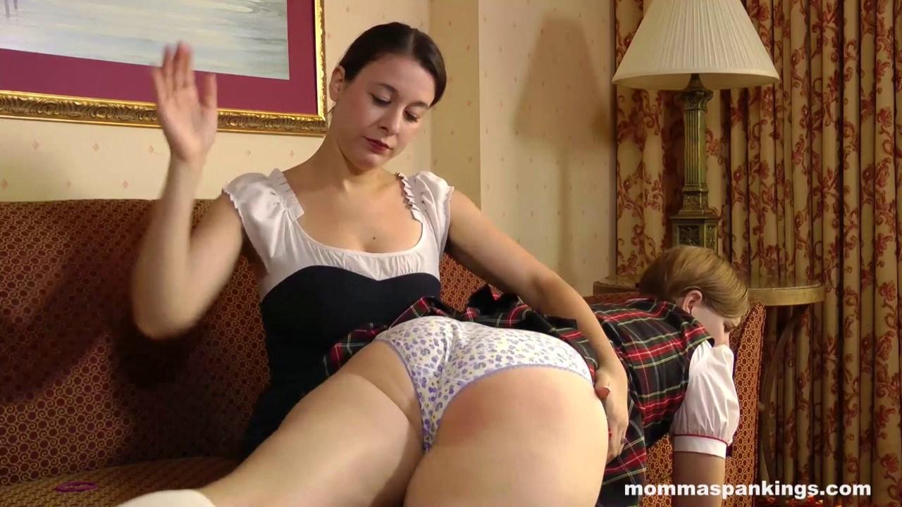 Busty ass mom