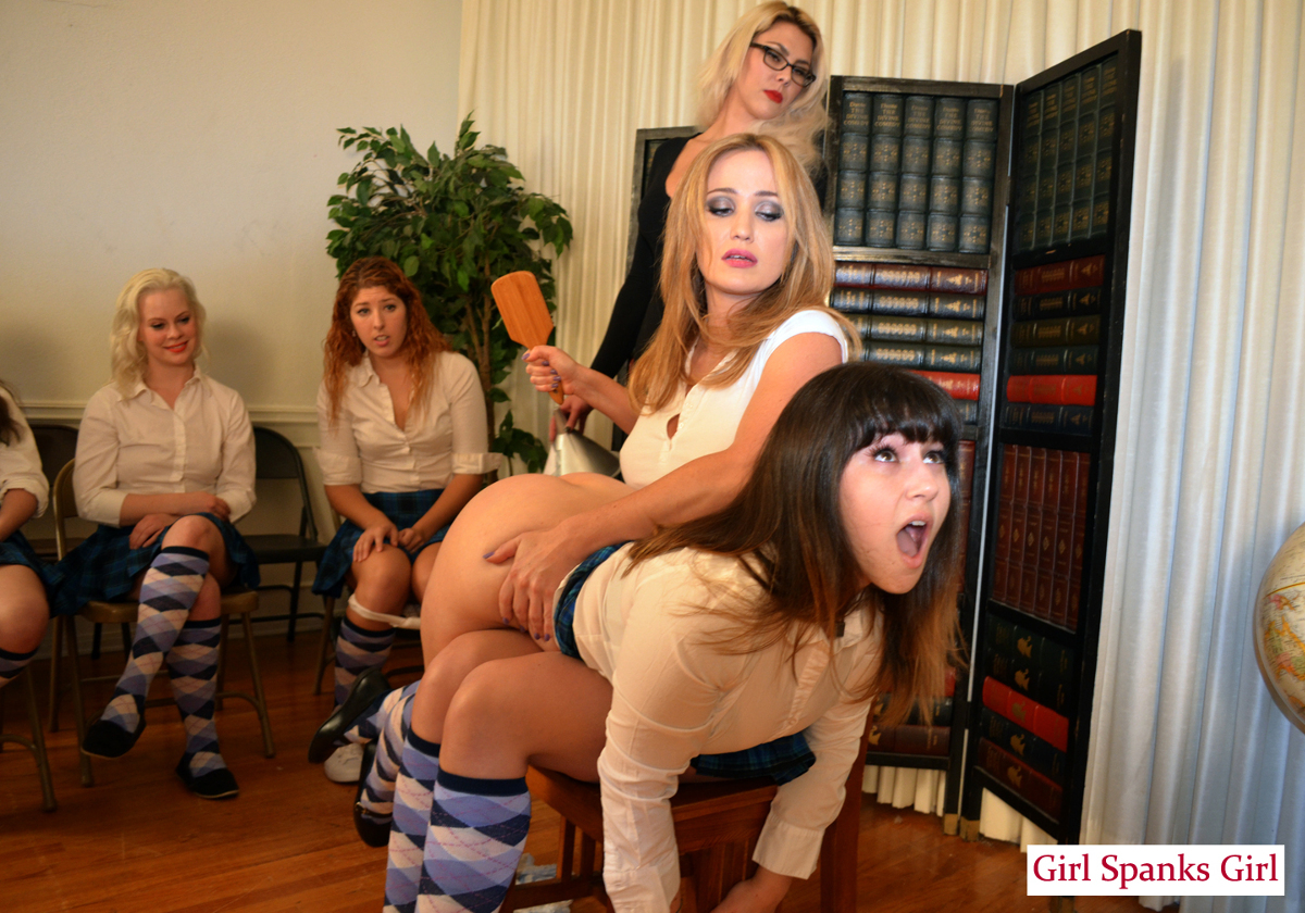 college-girls-spanked