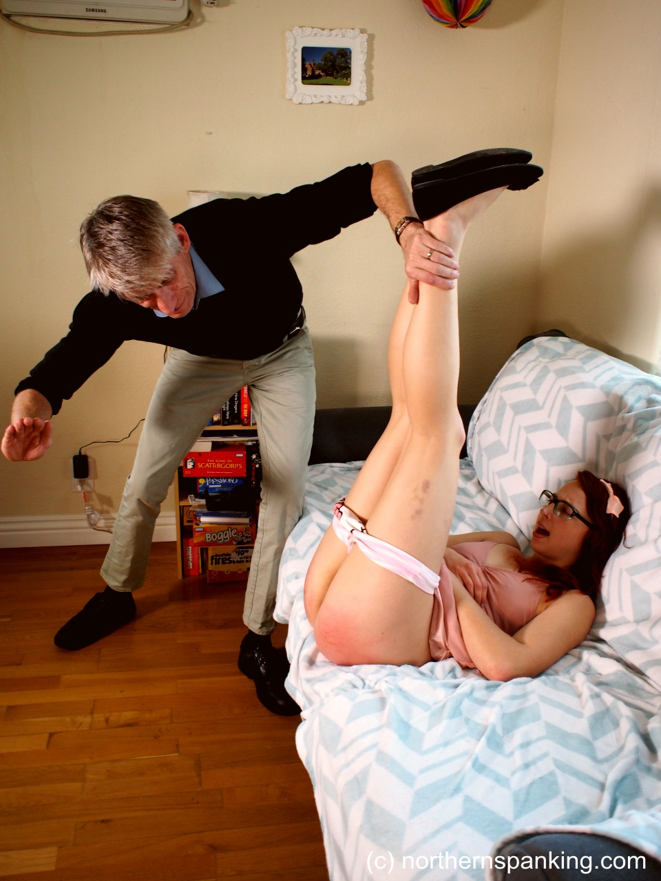 babe-erotic-free-preview-spank